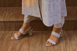 Footwear: Penne.